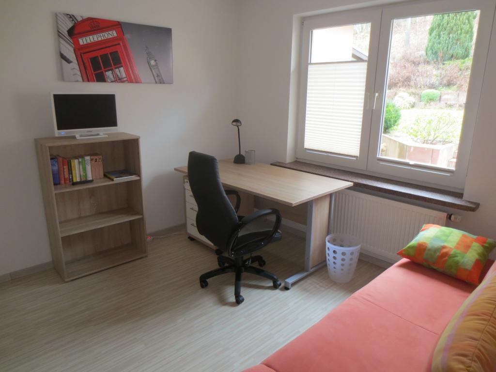 Arbeits- + Gästezimmer 2